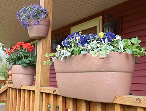 Rail Planters for Any Low Level Fence #fenceplanters #homedecorimage