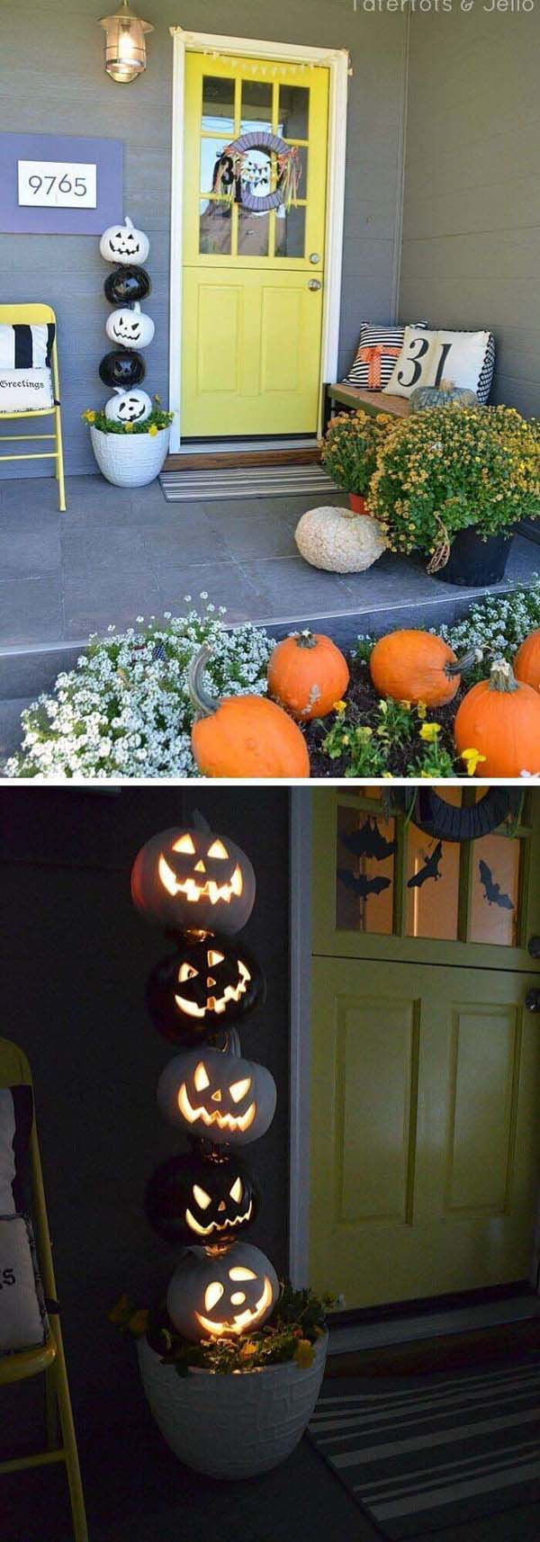 Glowing White and Black Pumpkins for Halloween Topiary #topiary #halloween #homedecorimage