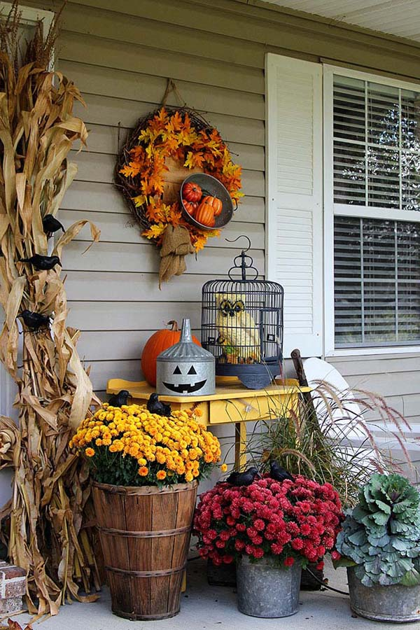Transitioning The Porch From Fall To Halloween #farmhouse #halloween #homedecorimage
